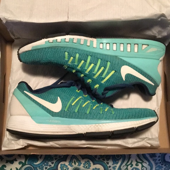 Nike Air Zoom Odyssey 2 teal running shoes size 9